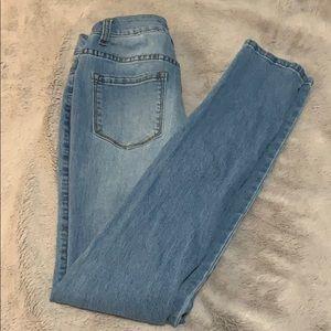 Fashion Nova Pants - Light blue mid rise skinny fit fashion nova jeans.